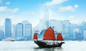 维多利亚港上的帆船摄影高清图片