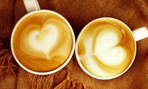 卡布奇诺花式咖啡摄影图片