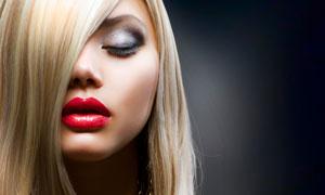 被头发遮住眼睛的美女摄影高清图片