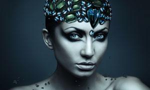 冷色调美女人物创意合成高清图片