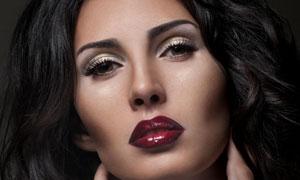 浓眉黑发红唇女人摄影高清图片