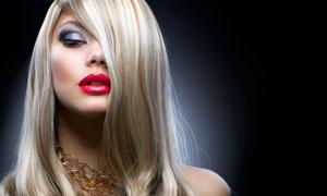 穿黑色露肩装的美女摄影高清图片