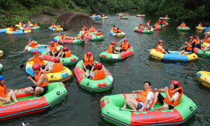 红石谷皮划艇漂流摄影图片