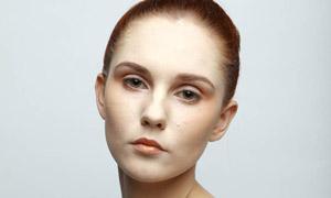 国外美女模特磨皮原片摄影图片