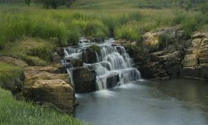 野外溪流瀑布摄影图片
