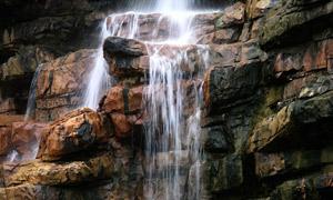 山间细水瀑布高清图片素材