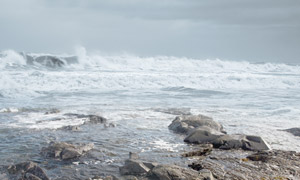 海边岩石和海浪高清图片素材