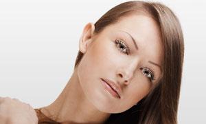 外国棕色长发美女人物摄影高清图片