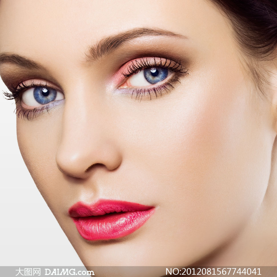 紧致美女妆容动漫高清摄影图片人物美女图片微笑肌肤图片
