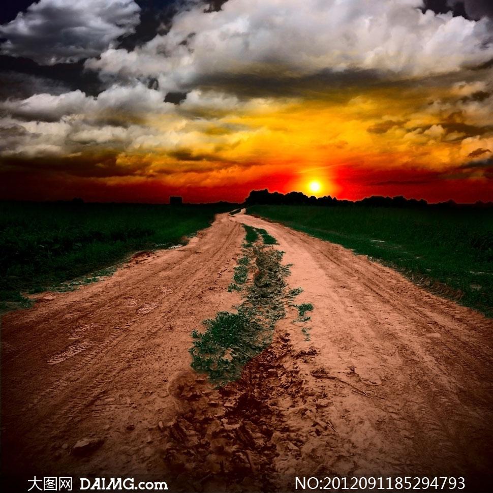 雨后泥泞的乡村小路摄影高清图片