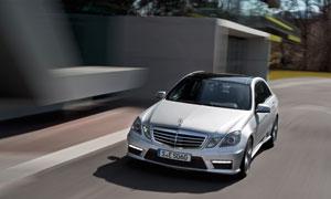 进口奔驰E级车2012款摄影高清图片