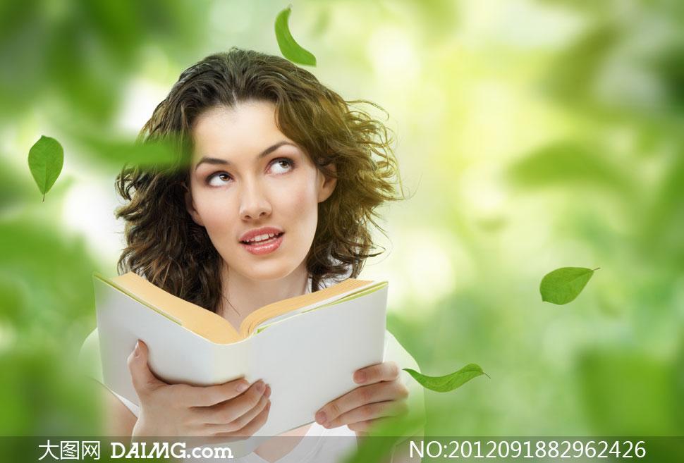 若有所思的看书美女摄影高清图片 大图网设计