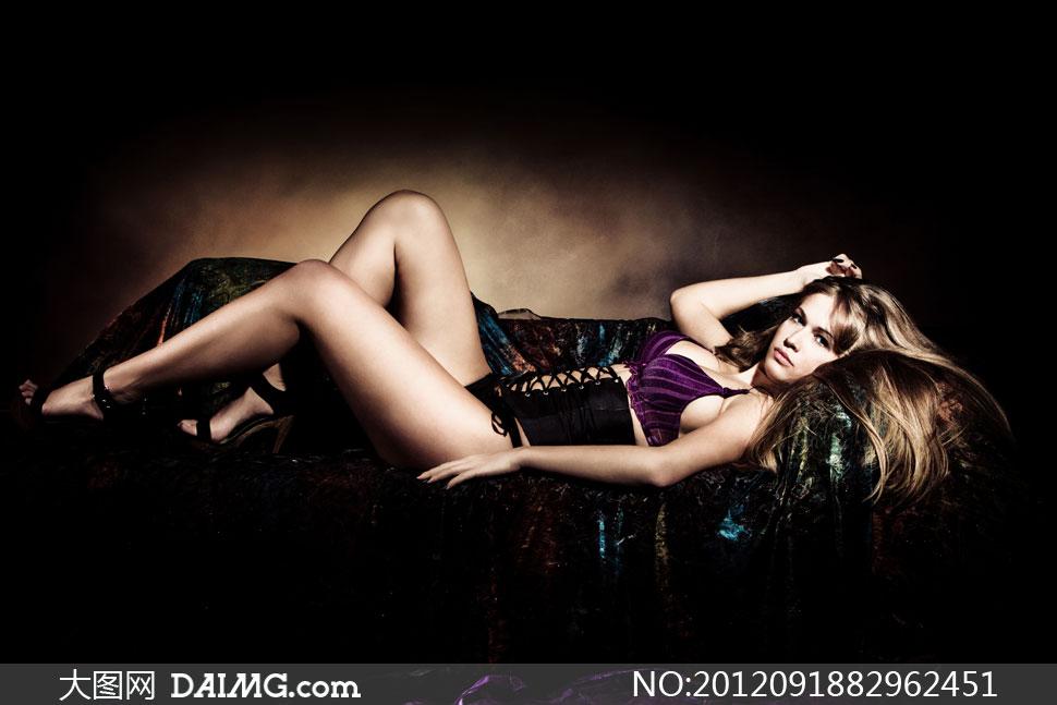 美女高清囹�a��9�k_kie 更新时间: 2012-09-19 特别说明:  躺着沙发上的美女人物摄影高清