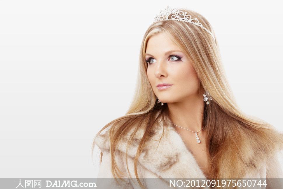 被加冕的飘逸长发美女摄影高清图片