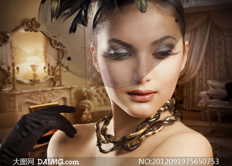 欧洲复古装扮美女人物摄影高清图片