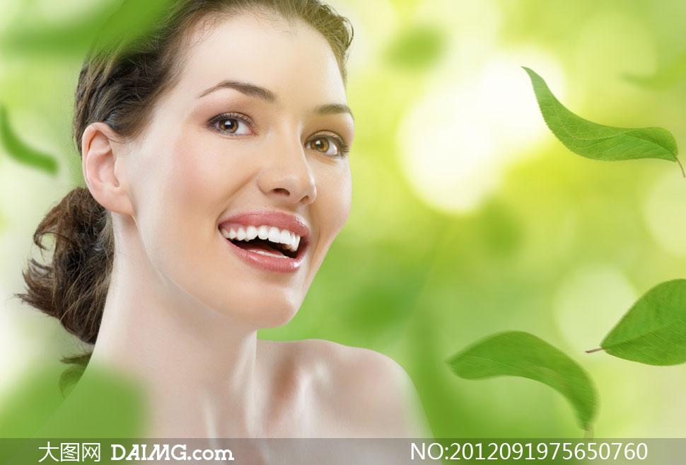 开心大笑的美女人物摄影高清图片 大图网设计