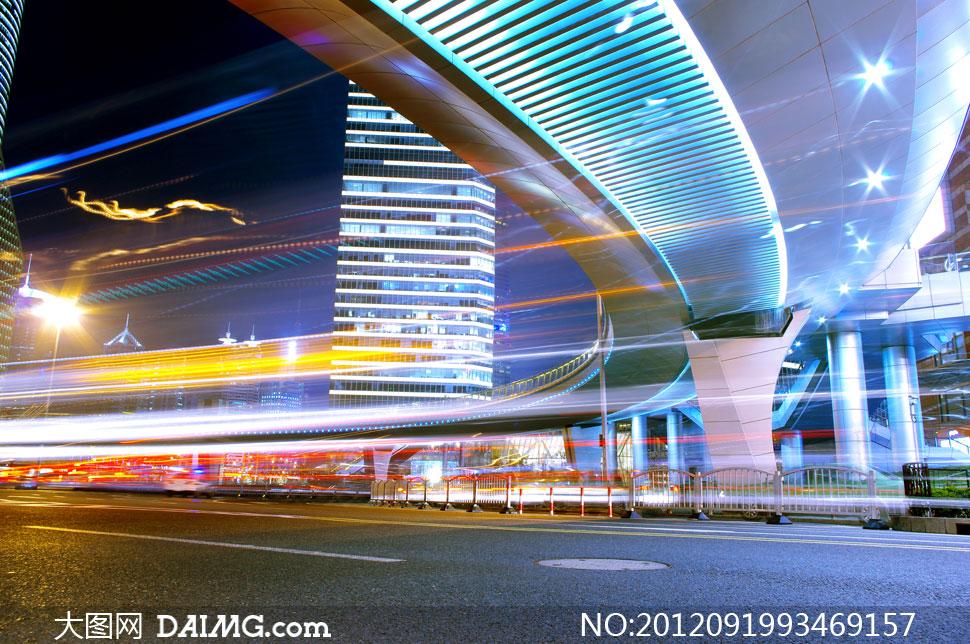 风景景观城市公路道路马路街道繁华夜景街景灯光动感光线线条曲线高楼