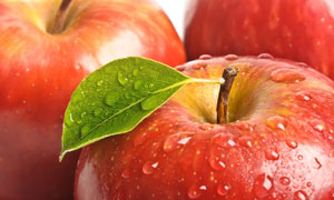 红彤彤的苹果近景特写摄影高清图片