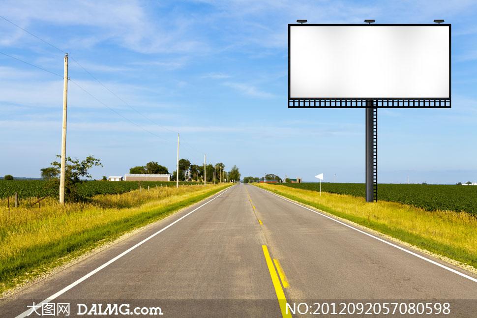 高清图片 自然风景 > 素材信息          矗立在两条公路间的广告牌