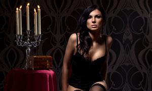 凳子上的黑色内衣美女摄影高清图片
