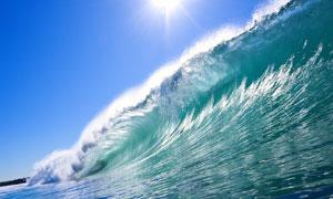 波涛汹涌的大海波浪摄影高清图片