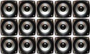 多个音箱喇叭组成的阵列高清图片