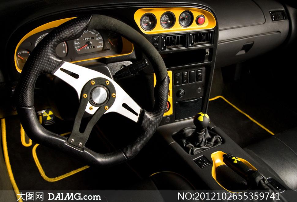 汽车的方向盘与中控台高清摄影图片