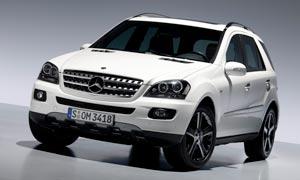 奔驰M级白色SUV轿车摄影图片