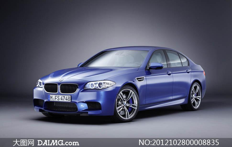 宝马m5蓝色轿车摄影图片 大图网设计素材下载