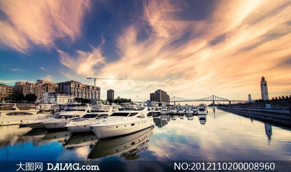 码头中停泊的飞艇摄影图片