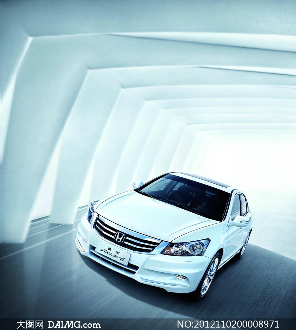 2013新款白色雅阁汽车摄影图片