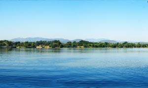 福海湖面风景全景摄影图片