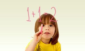 学习算术的可爱小女孩摄影高清图片