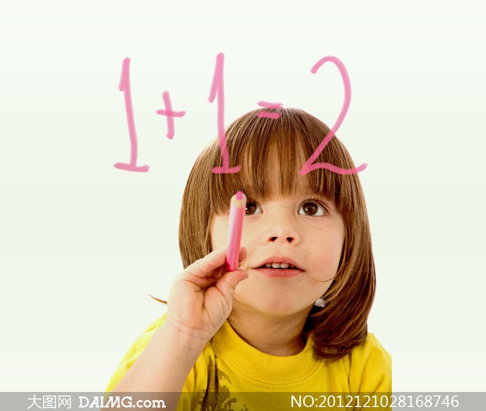 12小女孩图片可爱