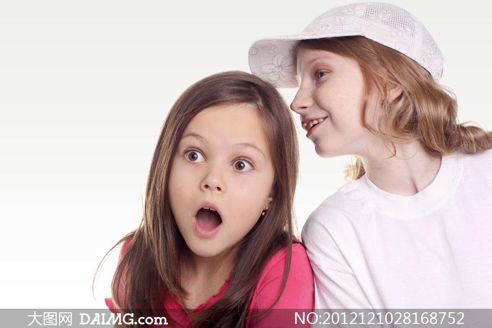 面露惊讶表情的小女孩摄影高清图片图片