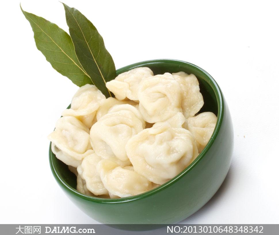 绿碗里的饺子近景特写摄影高清图片