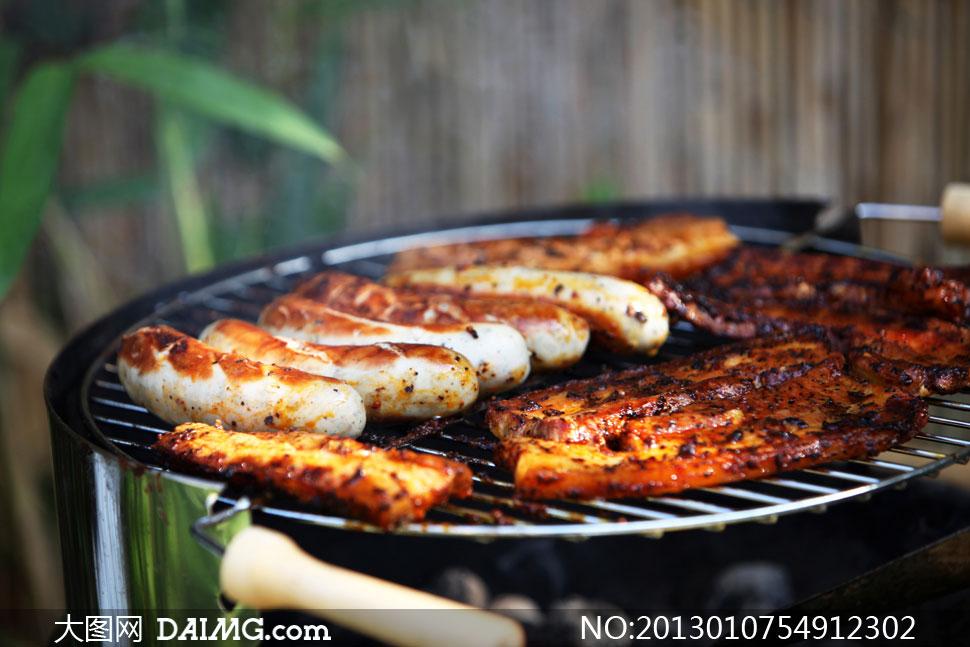 摄影架上的美味图纸烧烤图片高清对食物修边设计进行图片