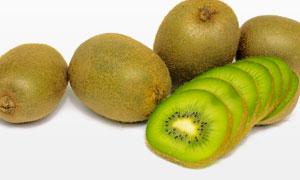 猕猴桃果子的切片特写摄影高清图片