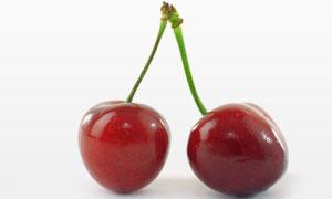 两个红彤彤的樱桃特写摄影高清图片