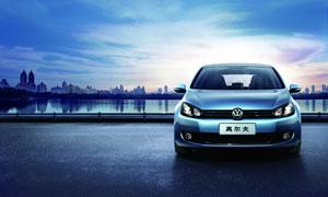 大众蓝色高尔夫汽车摄影图片
