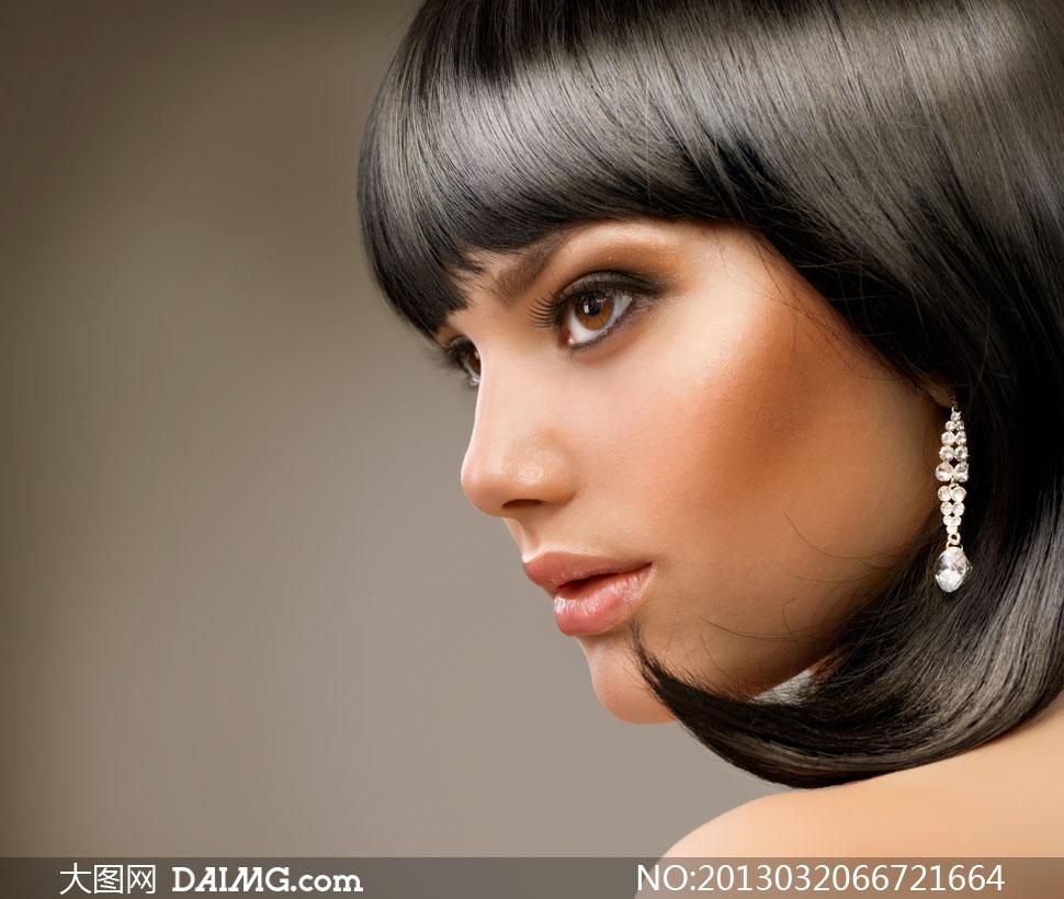 亮泽黑发美女人物侧面摄影高清图片