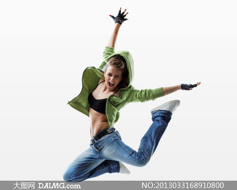 身穿卫衣牛仔裤的美女摄影高清图片