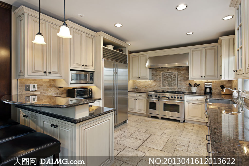 欧式厨房陈设布置内景摄影高清图片