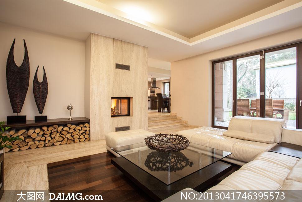 室内沙发壁炉与装饰品摄影高清图片