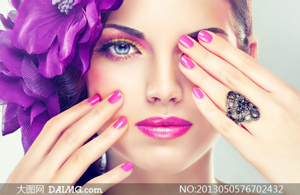 手遮眼的妆容美女人物摄影高清图片