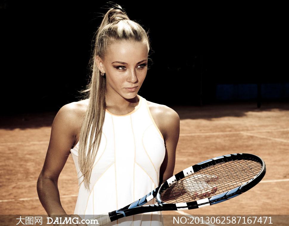 拿球拍的长发网球美女摄影高清图片 大图网设