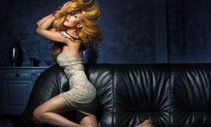 真皮沙发上的性感美女摄影高清图片