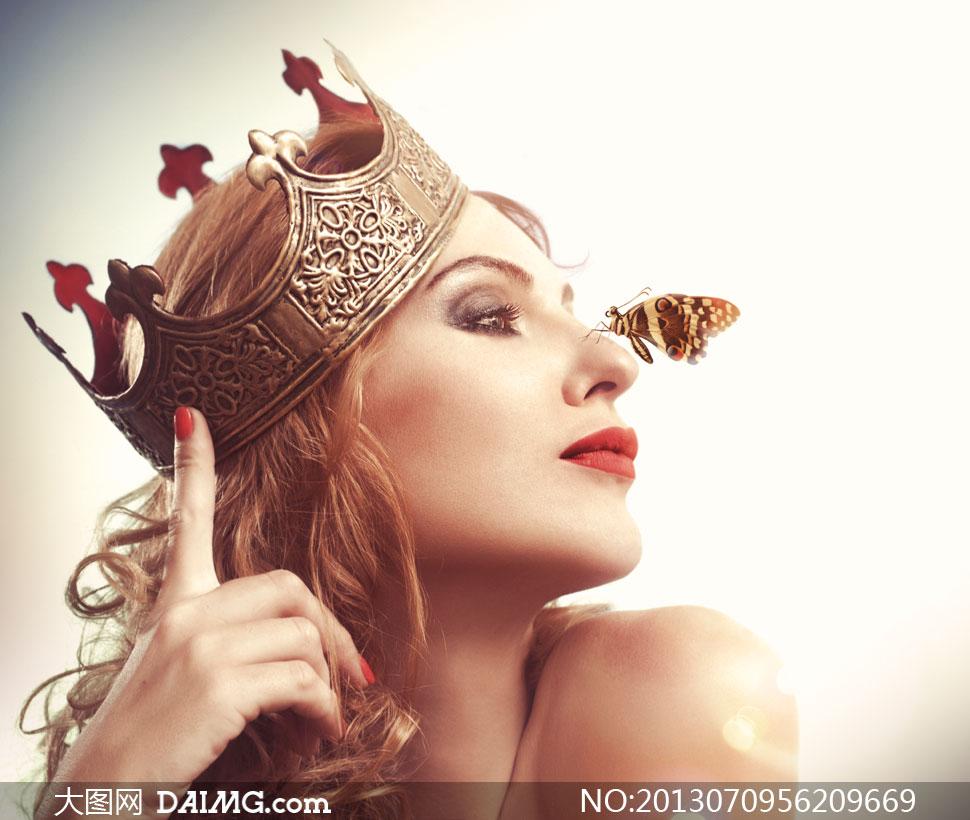 伤感侧面美女囹�a�i-9`�_戴王冠的卷发美女侧面摄影高清图片