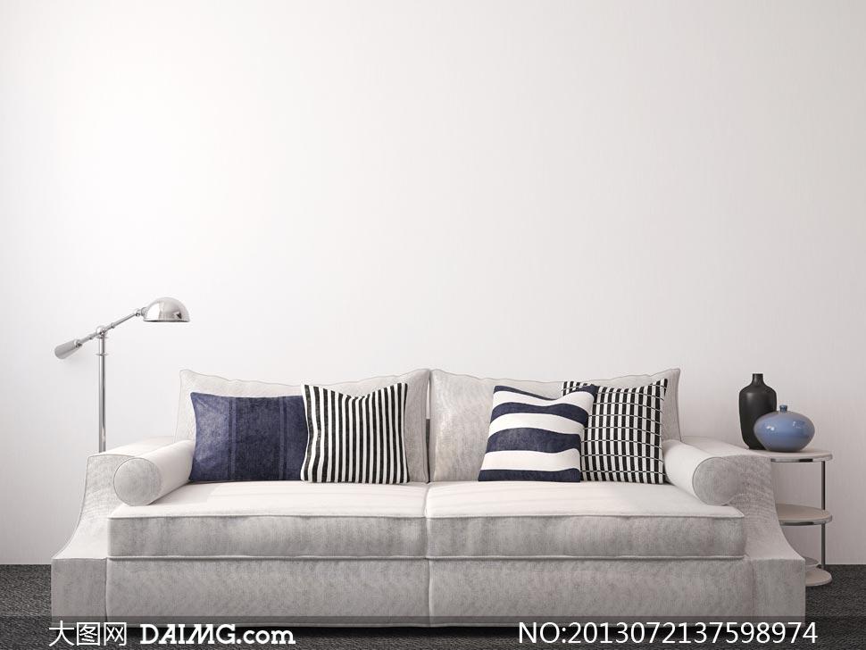 室内沙发落地灯与枕头摄影高清图片