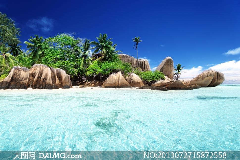 风景风光蓝天白云云层云彩多云天空石头山石岩石大海海水海岸岸边海边